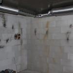 Lüftungsrohre im Keller