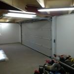 Garage mit Lampen