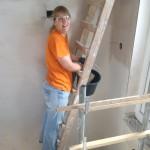 Yvonne auf der Leiter
